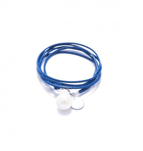 Marina blau